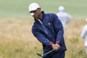 Tiger Woods roars into contention for record 83rd US PGA win