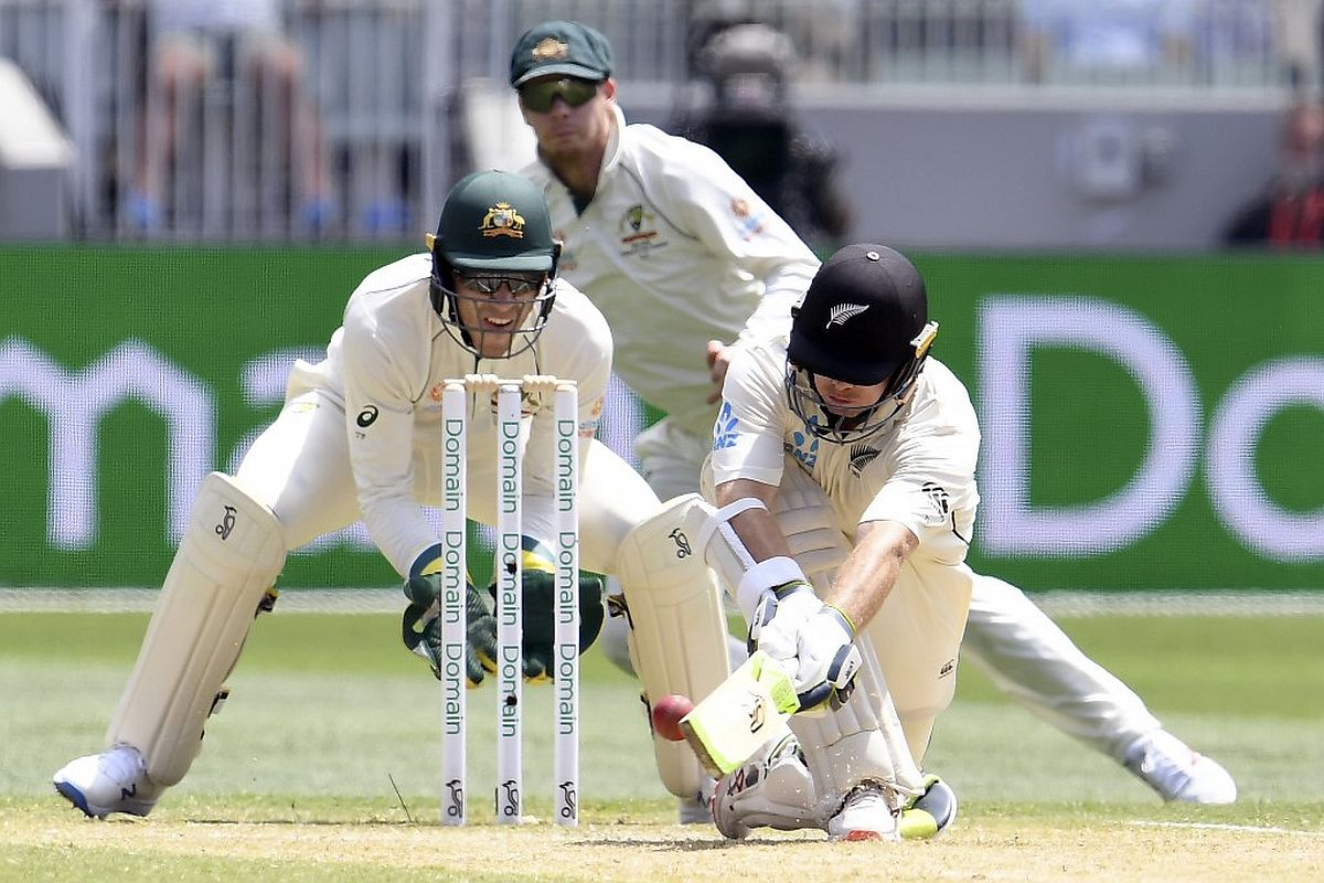 Mitchell Santner, Mitchell Santner DRS, Mithcell Santner DRS vs Australia, Santner DRS, Tim Paine, Tim Paine DRS decision, Tim Paine Ross Taylor sledging, Tim Paine Ross Taylor sledging video, Tim Paine DRS decision boxing day Test vs New Zealand, Australia vs New Zealand Boxing Day Test 2019, Australia vs New Zealand Test Series 2019-20, AUS vs NZ