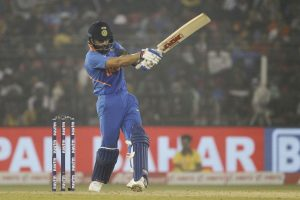 India beat West Indies by 4 wickets to clinch ODI series 2-1