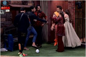 Bigg Boss 13, Day 82, Dec 21: Rashami Desai, Sidharth Shukla get into ugly spat; end up throwing tea on each other