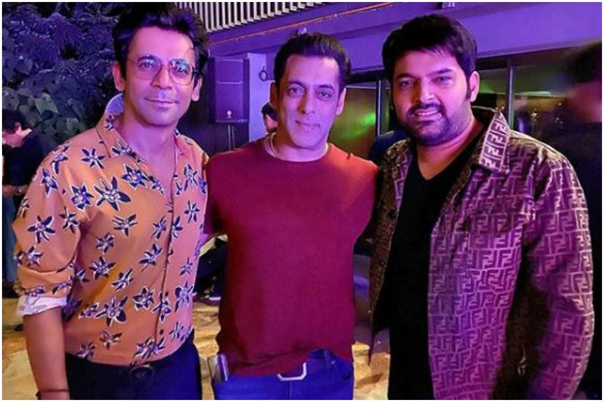 Kapil Sharma looks happy as he poses with Salman Khan and Sunil Grover
