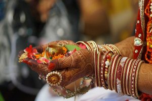 UP: Newly married woman drugs family, runs away with money and jewellery