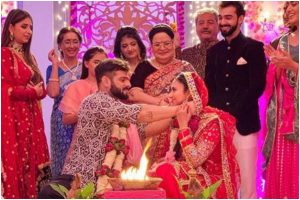 Divyanka Tripathi gets emotional as Yeh Hein Mohabbatein ends