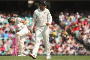 Stephen Fleming congratulates Ross Taylor for becoming New Zealand's leading run-scorer in Tests