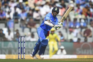 IND vs AUS, 1st ODI: Shikhar Dhawan scores fifty as India steer to 100/1 in 20 overs