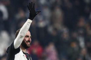 'We want to win Coppa Italia,' says Gonzalo Higuain