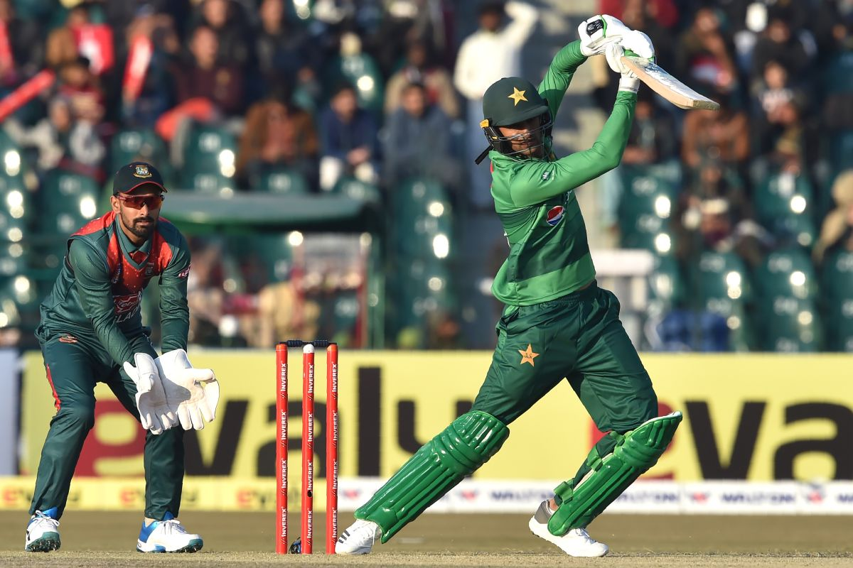 Shoaib Malik, Pakistan vs Bangladesh,