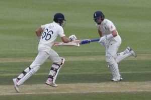 SA vs ENG, 4th Test: England 192/4 on rain-hit Day 1