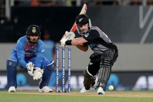 NZ vs IND, 2nd T20I: Indian bowlers restrict New Zealand to 132/5