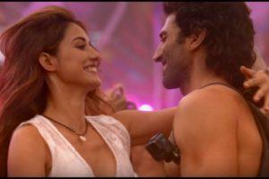 Malang song 'Humraah' features Disha Patani, Aditya Roy Kapoor partying in Goa