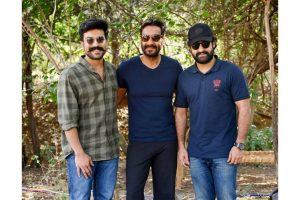 RRR : Ajay Devgn, Jr NTR, Ram Charan pose for a perfect picture