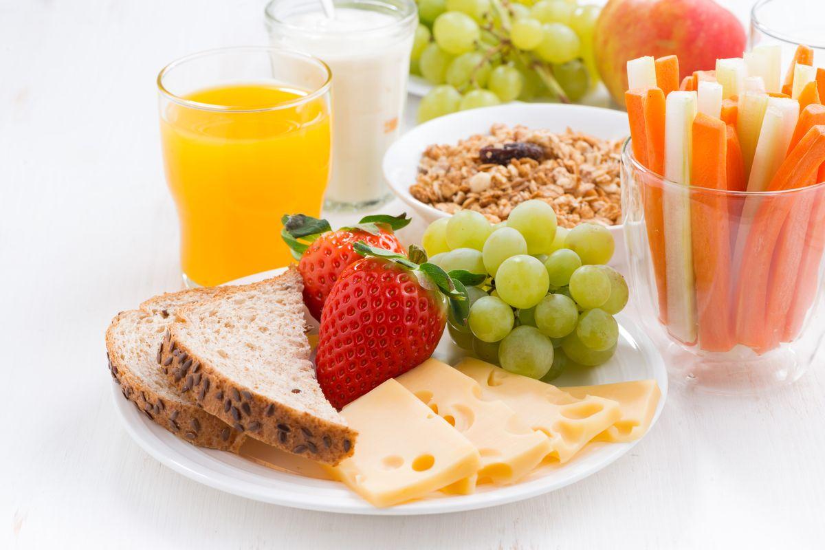 diet, healthy diet, healthful diet, Tofu, carrots, citrus fruits, Cruciferous vegetables, gluten-free, plant-based food