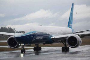 Bad weather conditions postpone Boeing 777X's first flight