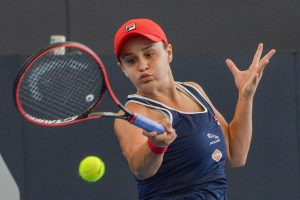 Ashleigh Barty fights to title victory at Adelaide International