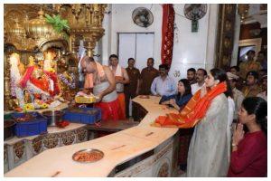 Deepika Padukone visits Siddhivinayak temple ahead of Chhapaak's release