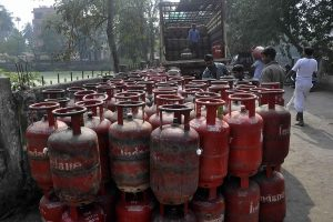 Non-subsidised LPG price increased by Rs 19, marks 5th straight monthly hike