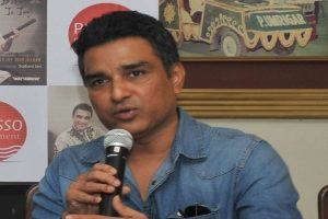 COVID-19: Sanjay Manjrekar reminds everyone of Sunday