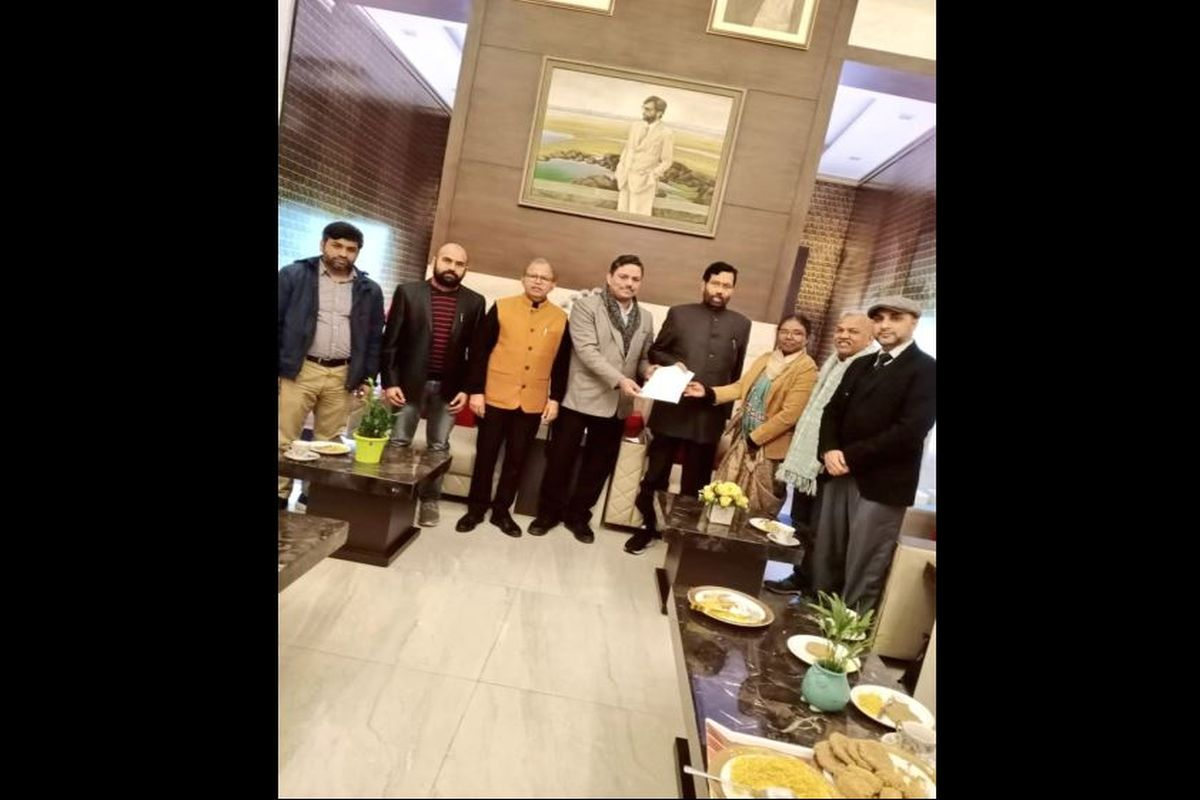 SC, ST delegation of JNU faculty meets Ram Vilas Paswan, accuses administration of discrimination