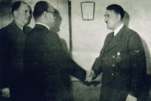 Netaji Subhas Chandra Bose's rare photographs preserved by Odisha lawyer