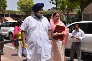 Sukhbir asks Captain to clarify if he opposes relief to Sikhs under CAA