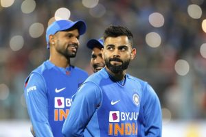 Fans thrilled as Virat Kohli imitates Harbhajan Singh's bowling action, Bhajji responds by rolling arms over himself