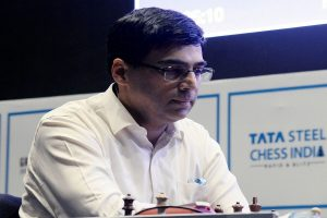 Viswanathan Anand draws with Vituigov, Caruana leads