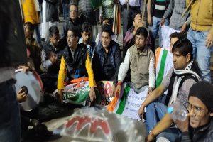 Congressmen shout 'go back Modi' slogan, wave black flag on PM Modi's visit in Kolkata