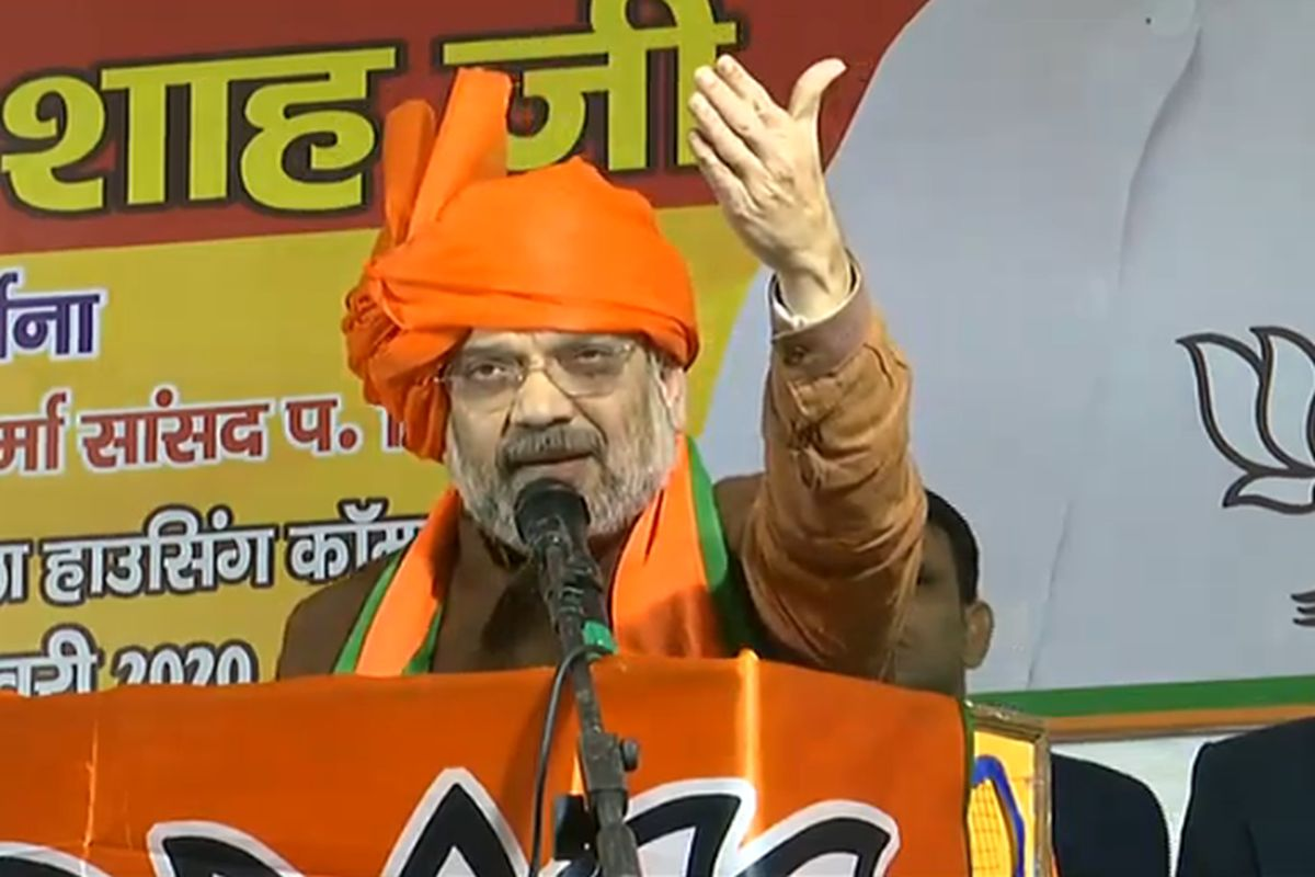 'Arvind Kejriwal will win first prize for making false promises', says Amit Shah