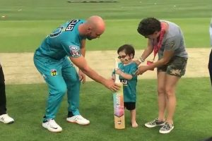 BBL: 5-year-old child suffering from brain cancer flips bat before match between Heat, Hurricanes