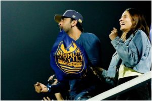 Indian Super League: Alia Bhatt joins 'one-love' Ranbir Kapoor as he cheers for his team