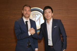 Tottenham midfielder Christian Eriksen latest Premier League player to join Inter Milan