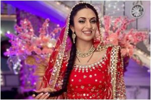 Divyanka Tripathi is the perfect 'Punjabi Bride'; see pics