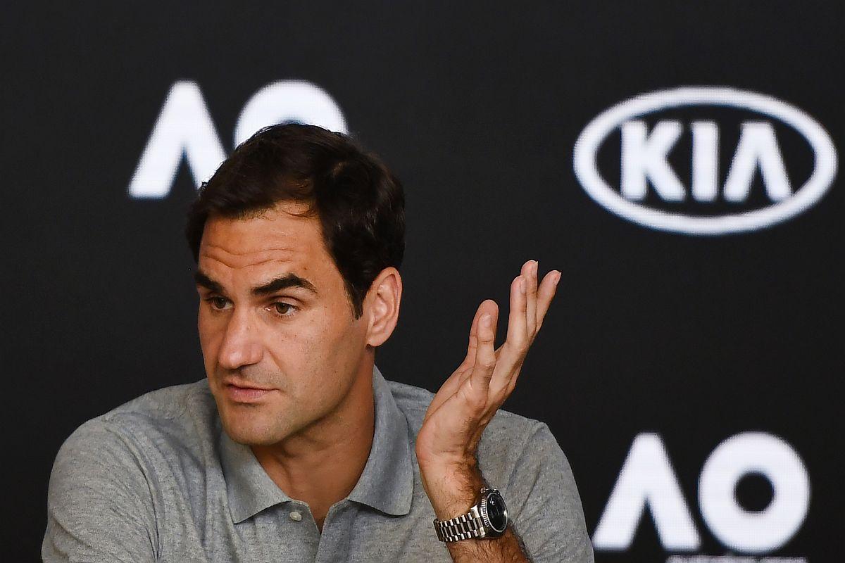 Injured Federer keen to put terrible semi-final behind him