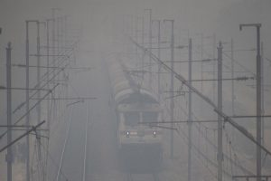 25 Delhi-bound trains delayed due to fog in north India