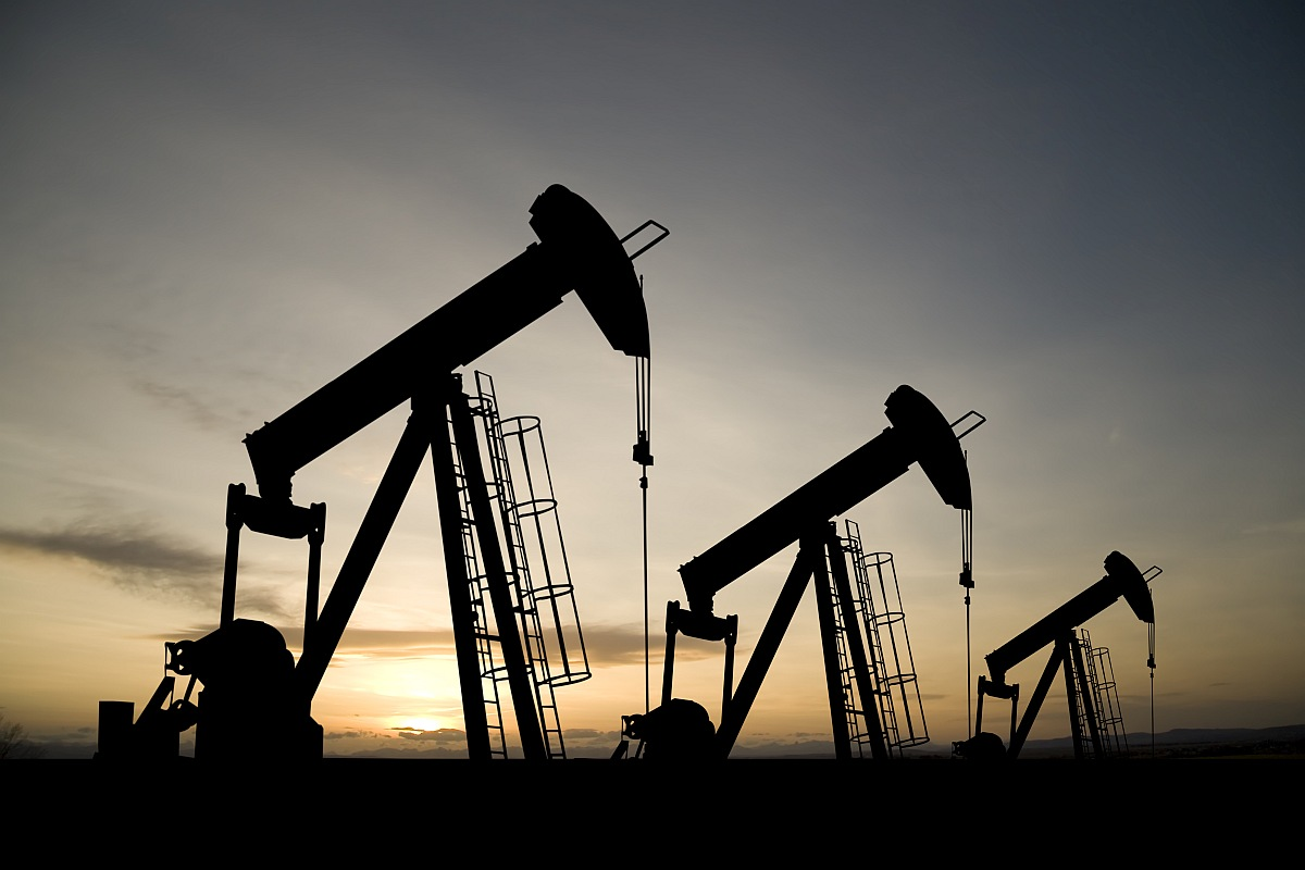 Crude oil futures rise amid positive global cues