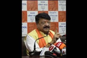 Case against BJP leader Kailash Vijayvargiya for threatening government officials