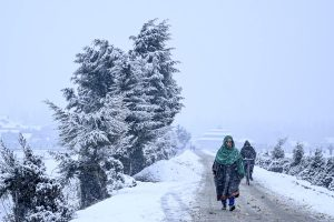 Flight operations disrupted in Kashmir after fresh snowfall