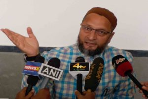 Owaisi demands attempt to murder case against JNU culprits; demands VC resignation