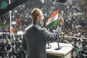 Hyderabad MP Asaduddin Owaisi hits out at Pak PM over tweet on UP Police
