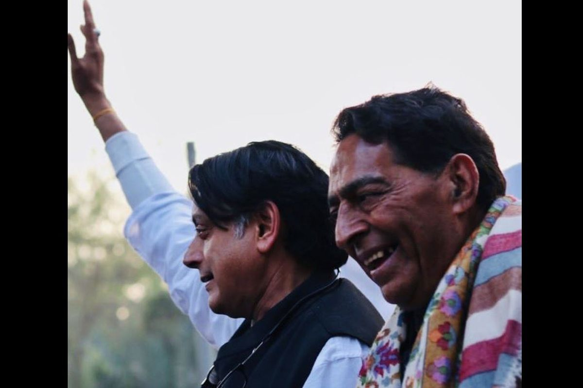 Shashi Tharoor addresses anti-CAA protest at Jamia