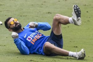 Virat Kohli hit on finger during practice
