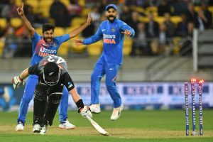 Cricket fraternity lauds India's super-over win against New Zealand in 4th T20I