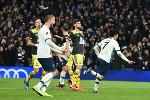 FA Cup: Tottenham pip Southampton in 4th-round replay