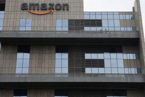 Karnataka HC gives relief to Amazon, Flipkart in CCI probe