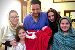 Twitterati trolls as Shahid Afridi becomes father of 5th 'girl'