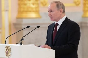 Russia President Putin discussed govt resignation with ex-PM beforehand