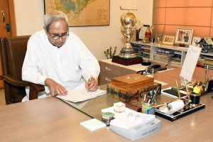 Odisha CM announces Rs 1690 crore COVID assistance for marginalized people