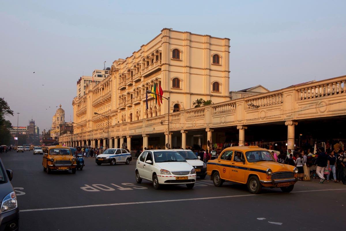 Private vehicles, Hooghly, Kolkata Station, Bengal, Kolkata, West Bengal