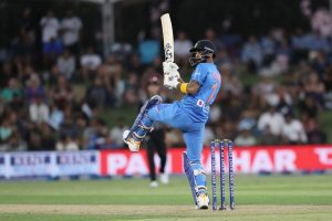 KL Rahul donates 2019 World Cup bat and other memorabilia for auction