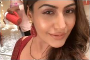 Sanjivani star Surbhi Chandna proves 'red is love', shares selfie from sets